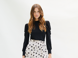 WINNIE Top with gathered puffed long sleeve in our new Black Jersey