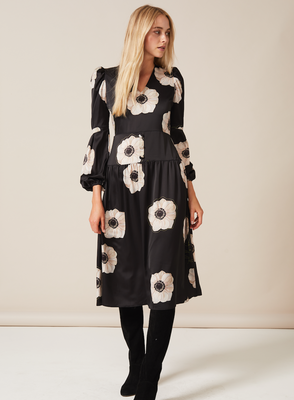 DAISY Midaxi Dress with v-neck and puffed sleeve in Cream and Black Poppy