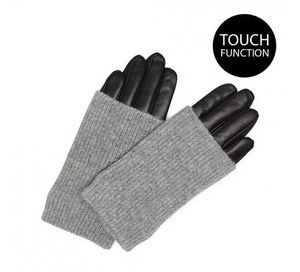 Markberg Helly Gloves in Black with Grey