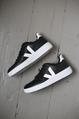 V10 Leather Black & White Sneakers