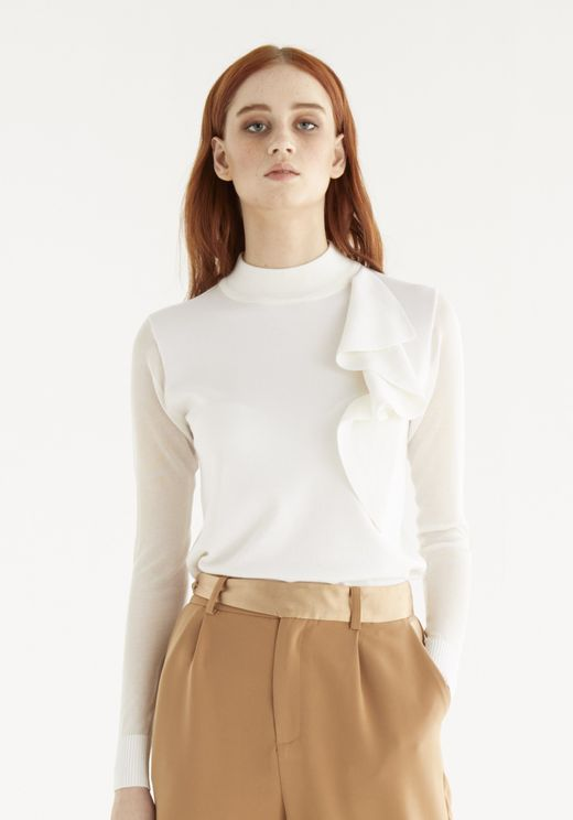 Paisie Leah Knitted Frill Top In White